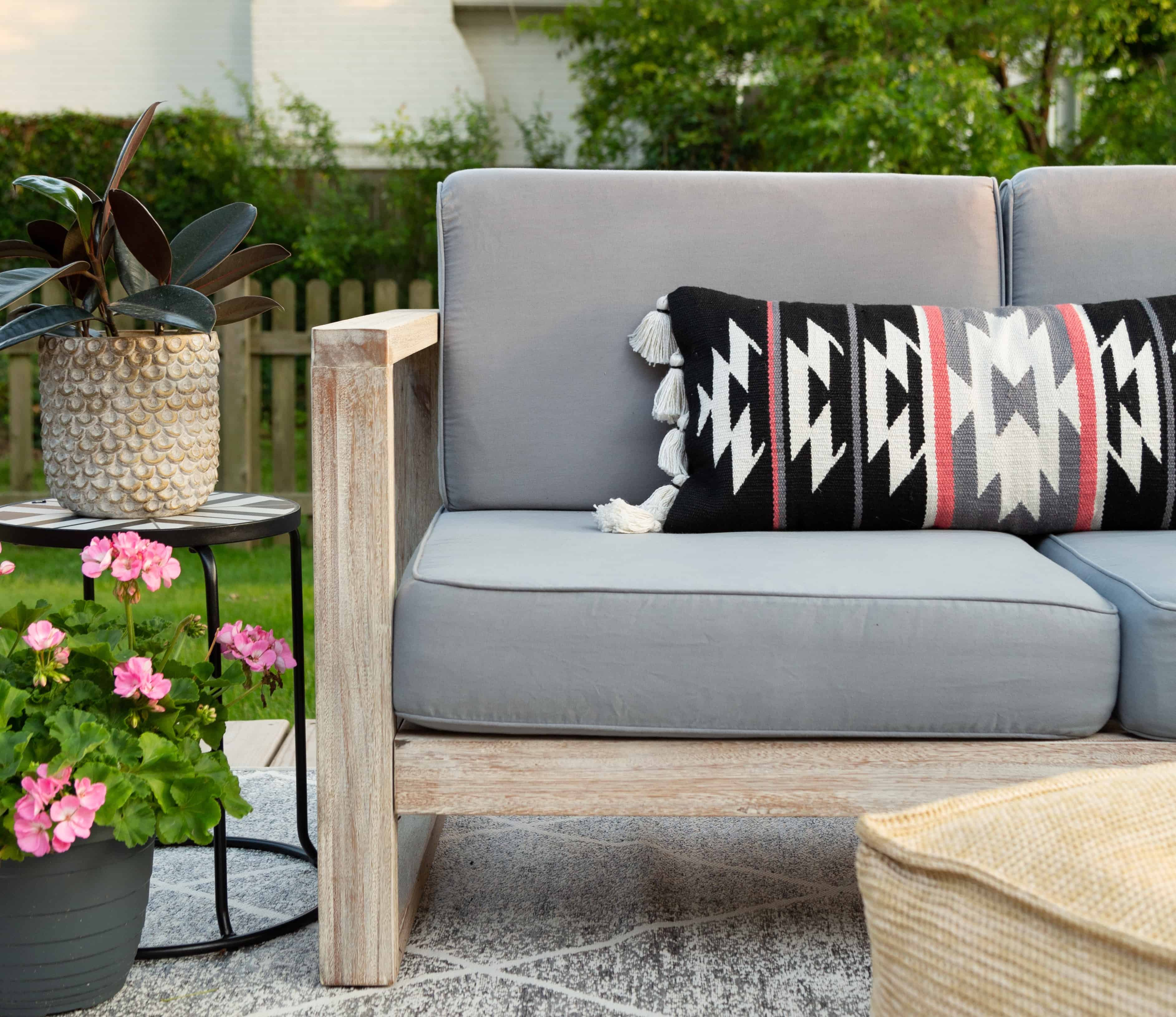 Dyed Outdoor Cushions – Rit Dye